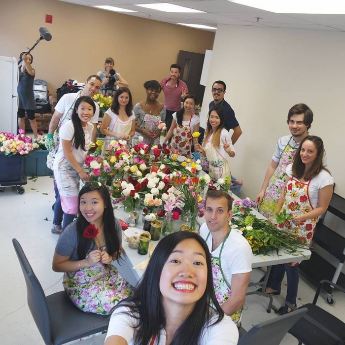 Offrir De La Joie Par Lentremise Des Fleurs Recyclees