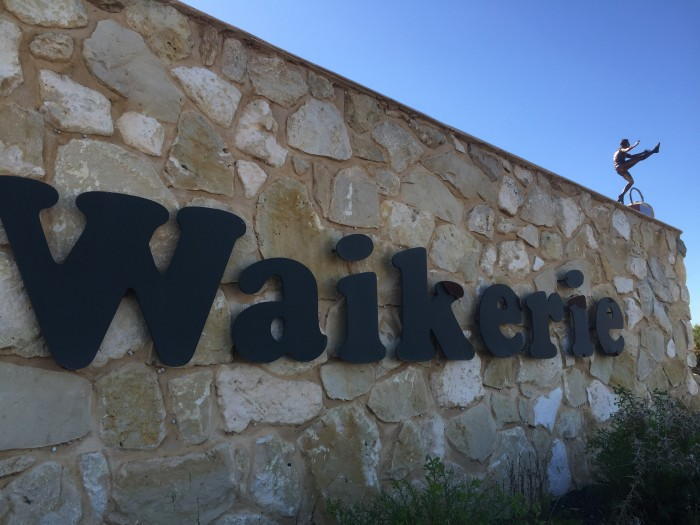 Waikerie's stonewall entrance on the Sturt Highway